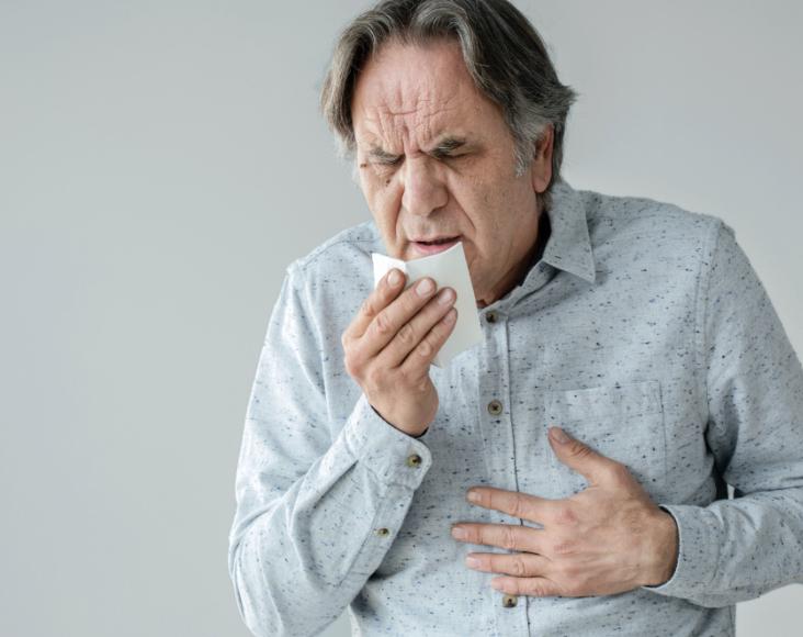 Síntomas de las infecciones respiratorias: Tos con expectoración, pitidos y dificultad respiratoria.