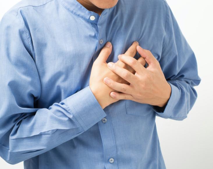Síntomas de las enfermedades respiratorias minoritarias: HAP, Falta de aire, hinchazón de tobillos, dolor opresivo en el pecho.